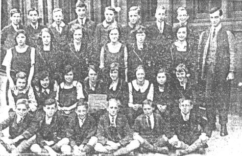 Mr. Shercliffe's Class 1923 (88666 bytes)